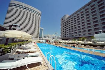 KOBE PORTOPIA HOTEL Outdoor Pool