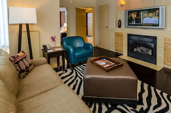 Guestroom at Beacon Hotel & Corporate Quarters in Washington