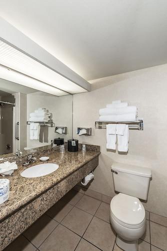 Best Western Plus Oak Harbor Hotel & Conference Center, Island