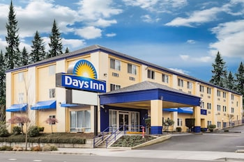 Days Inn Seattle Aurora 9 7 Miles From Pier 91 Cruise Terminal