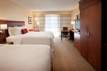 Guestroom at Courtyard by Marriott Las Vegas Convention Center in Las Vegas