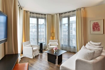 Suite, 1 King Bed, View (Eiffel View)