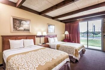 Tek Büyük Yataklı Oda, 2 Çift Kişilik Yatak, Sigara İçilebilir