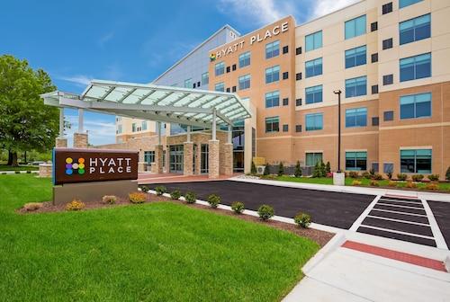 . Hyatt Place Hampton Convention Center