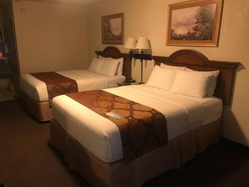 Room, 1 Queen Bed, Accessible, Non Smoking (Mobility,Roll-In Shower)