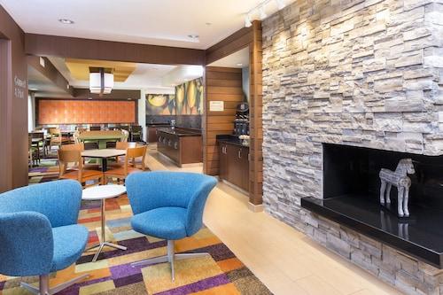 __{offers.Best_flights}__ Fairfield Inn & Suites Galesburg