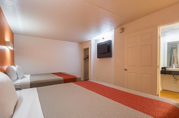 Guestroom at Motel 6 Dallas - Garland - Northwest Hwy in Garland