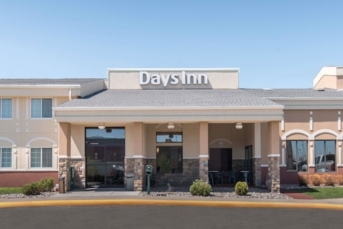 . Days Inn by Wyndham Minot