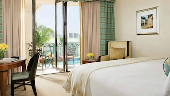 Signature Balcony Room with 2 Double Beds
