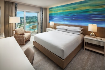 Deluxe Room, 1 King Bed, Oceanfront (Renovated Room)