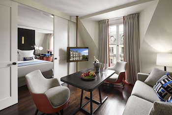 Junior Suite (with Free Bottle of Champagne)