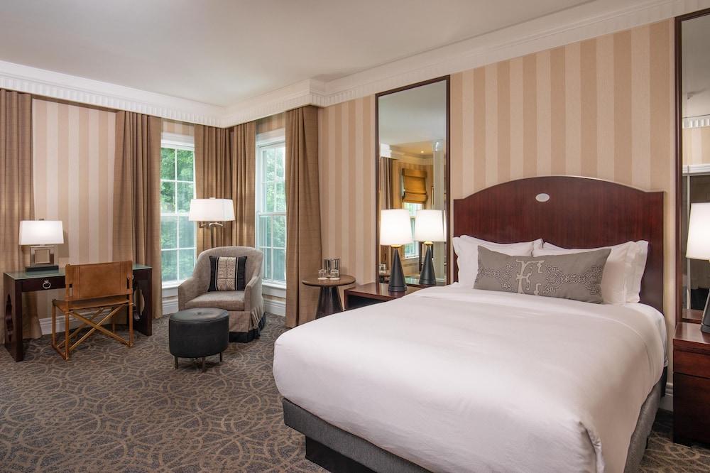 https://i.travelapi.com/hotels/1000000/10000/7400/7396/79c57634_z.jpg
