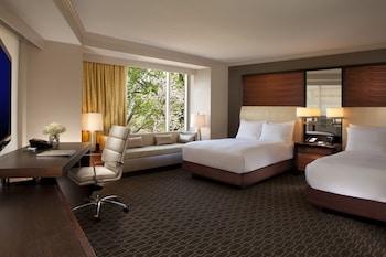 Premier Room, 2 Double Beds, Corner