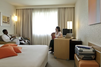 Executive Room, Multiple Beds, Pool View