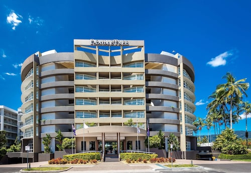 . DoubleTree by Hilton Hotel Cairns