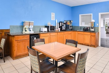 Americas Best Value Inn Clute/Lake Jackson - Property Amenity  - #0