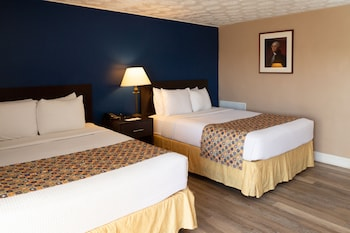 Queen Room with 2 Queen Beds - Non Smoking