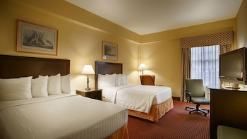 Guestroom at Old Colony Inn Alexandria in Alexandria