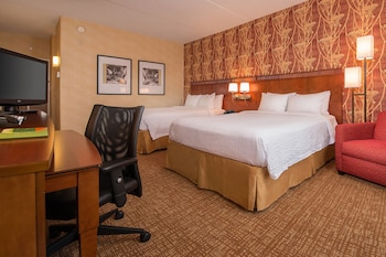 Guestroom at Courtyard by Marriott Herndon Reston in Herndon