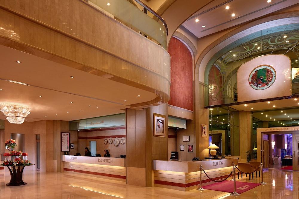 Hotel Crowne Plaza Hotel