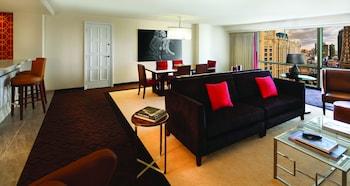 Jubilee Premium Suite, 1 King, Non-Smoking