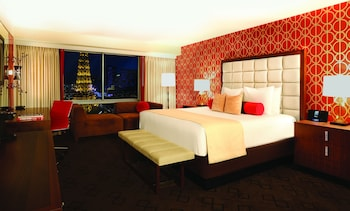 Jubilee Room, 1 King Bed, Non Smoking, Strip View