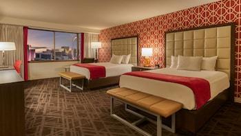Resort Room, 2 Queen Beds, Non Smoking
