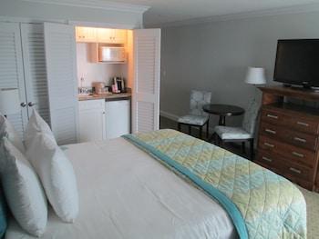 2nd Floor, King Room, Ocean View, Balcony