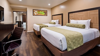 Standard Room, 2 Queen Beds, Non Smoking, Refrigerator & Microwave (Shower Only)