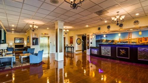. Best Western Plus Grosvenor Airport Hotel