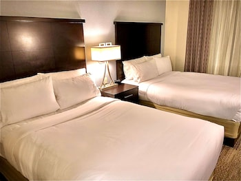 Suite, Multiple Beds (Two Bedroom Queen and Two Doubles)