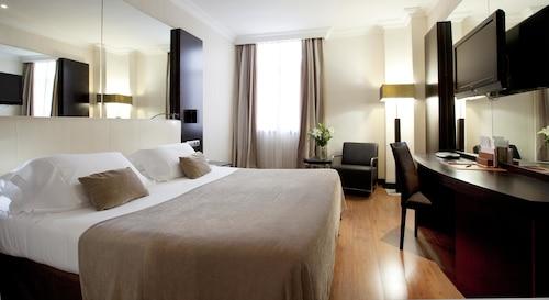 . Saray Hotel
