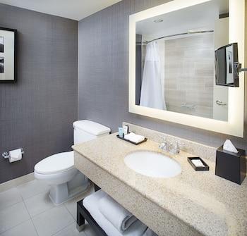 Crowne Plaza Annapolis - Bathroom  - #0