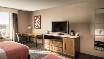 Executive Room, 1 Queen Bed, Accessible, Bathtub (Mobility & Hearing)