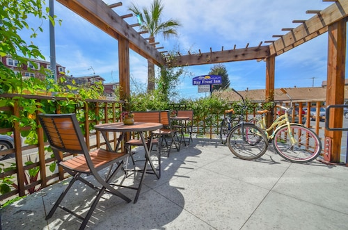 . Bay Front Inn Santa Cruz