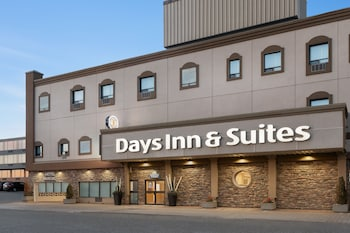 Hotel - Days Inn & Suites by Wyndham Sault Ste. Marie ON