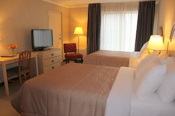 Economy Double Room, 2 Double Beds, Pool View (Lower Level)
