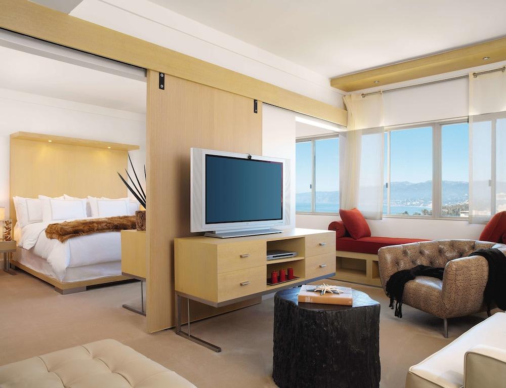 https://i.travelapi.com/hotels/1000000/10000/7900/7857/1cce59f1_z.jpg