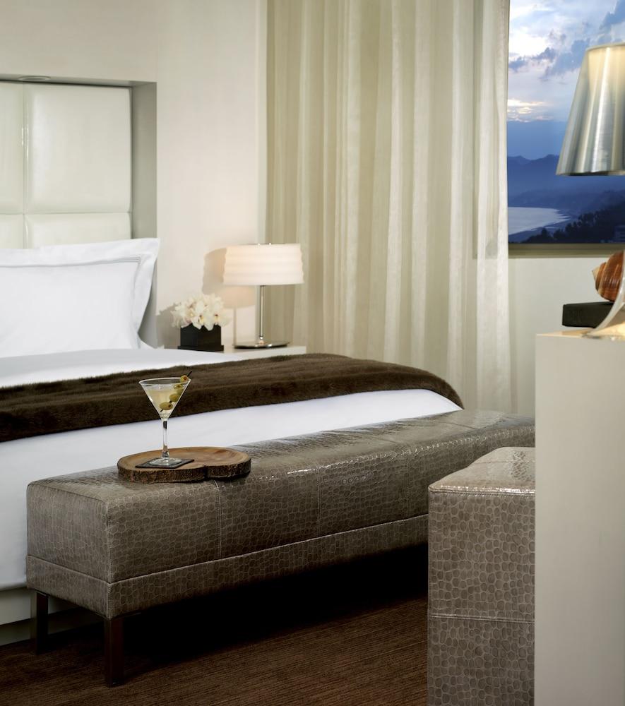 https://i.travelapi.com/hotels/1000000/10000/7900/7857/3625a199_z.jpg