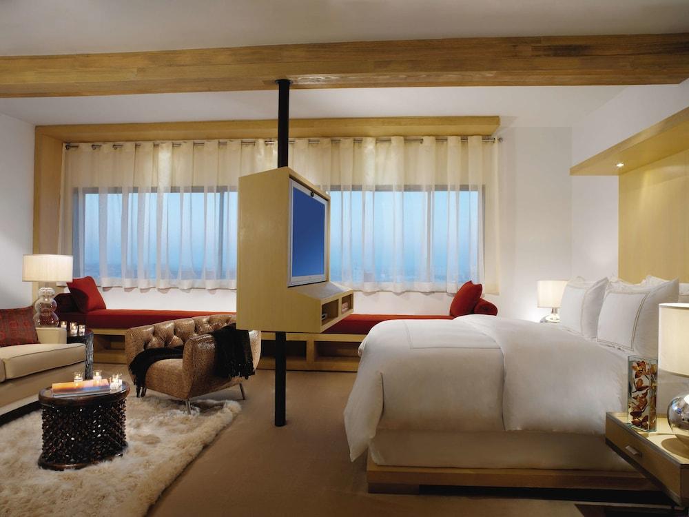 https://i.travelapi.com/hotels/1000000/10000/7900/7857/394bf710_z.jpg