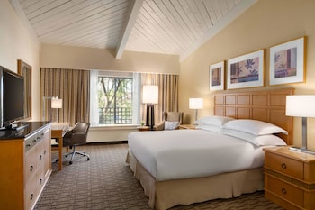 Guestroom at Hilton Scottsdale Resort & Villas in Scottsdale