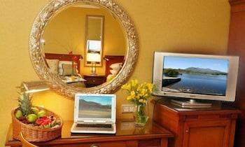 https://i.travelapi.com/hotels/1000000/10000/7900/7865/117cb973_b.jpg