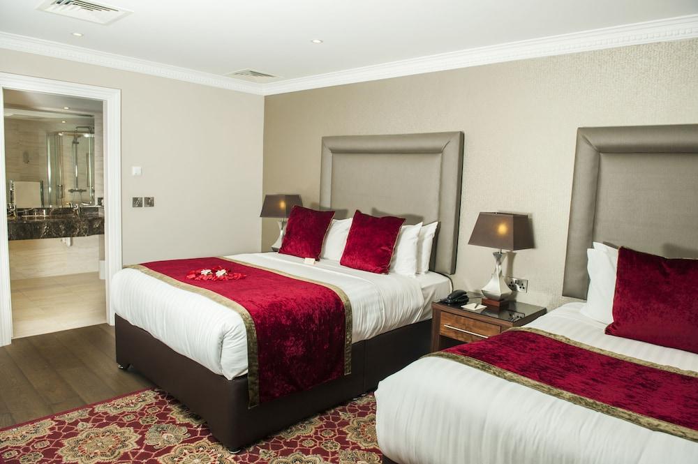 https://i.travelapi.com/hotels/1000000/10000/7900/7865/56bbe61a_z.jpg