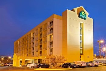 Hotel - La Quinta Inn & Suites by Wyndham Nashville Airport/Opryland