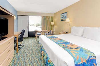Guestroom at Baymont by Wyndham Kissimmee in Kissimmee