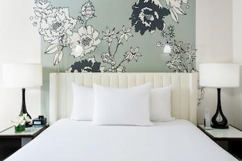 One Bedroom Suite - Queen with Kitchen