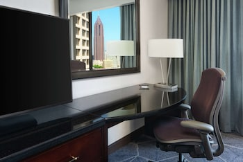 Room, 2 Double Beds (Skyline View)