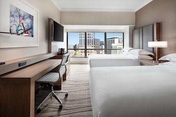 Executive Room, 2 Double Beds (Shower, Skyline)