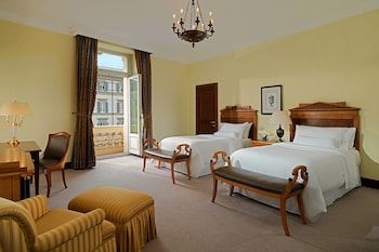 Grand Room, 2 Twin Beds (Grandluxe Double Twin, Larger Guest)