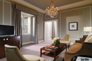 Grand Suite, 1 King Bed (Grandluxe Suite, 1 King)
